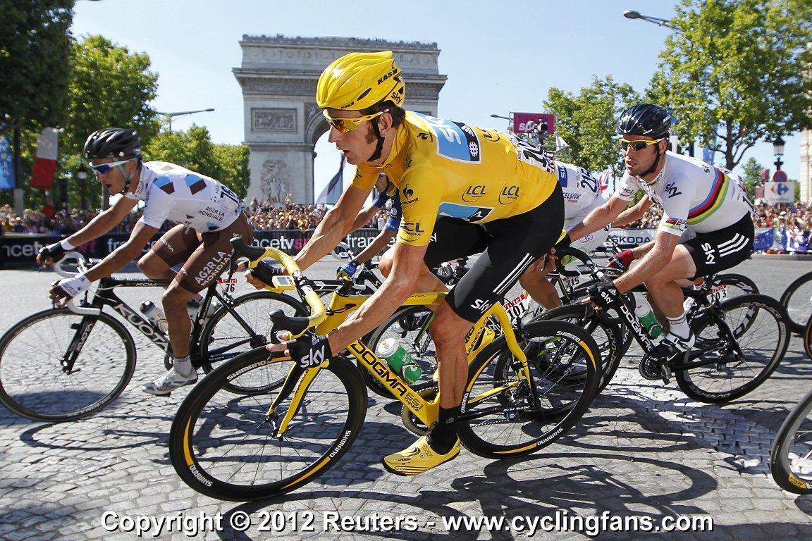 2012_tour_de_france_stage20_paris_arc_de_triomphe_bradley_wiggins2.jpg