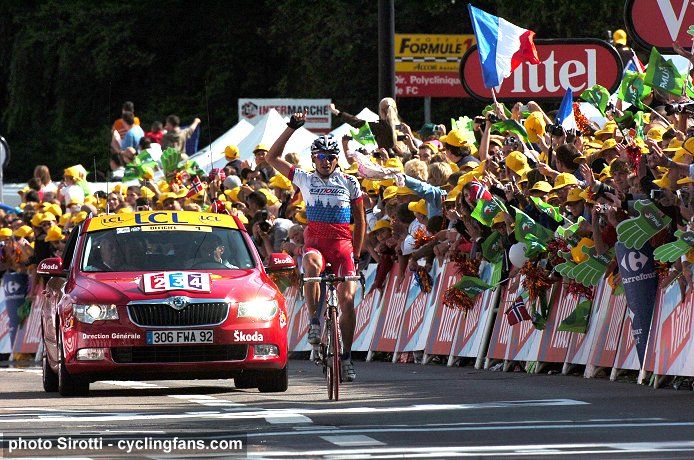 [Immagine: 2009_tour_de_france_serguei_ivanov_wins_stage14.jpg]