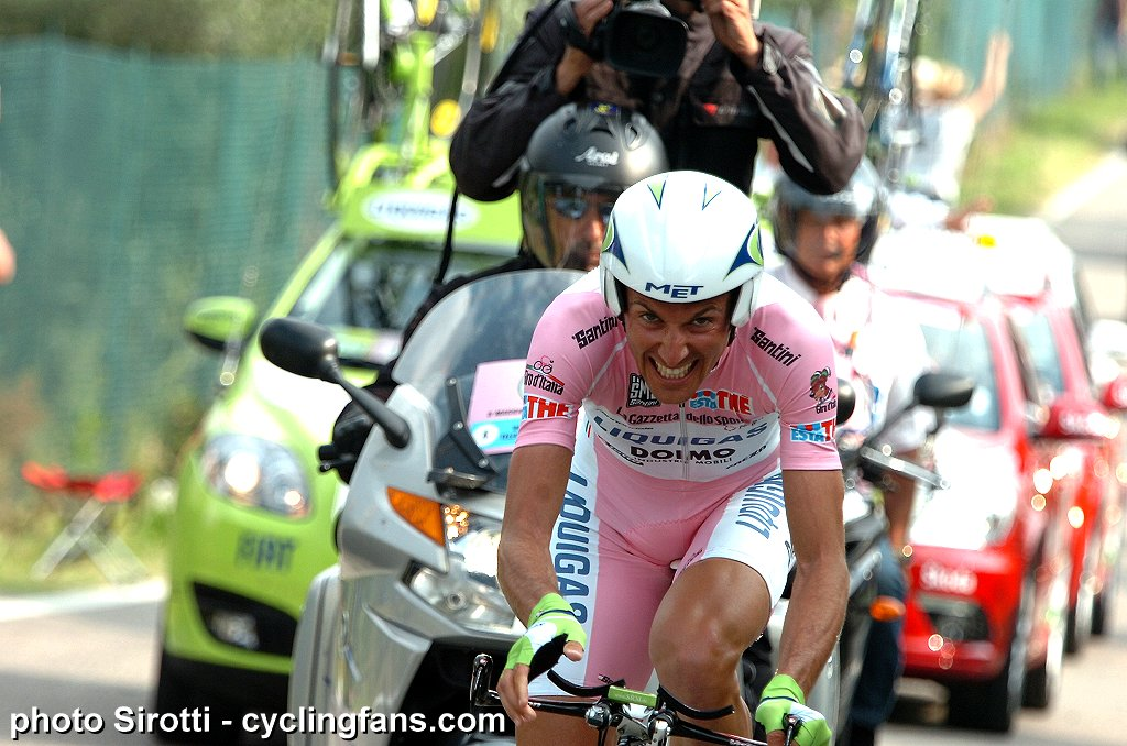 http://www.cyclingfans.net/images/2010_giro_d_italia_stage21_time_trial_verona_ivan_basso_liquigas2.jpg