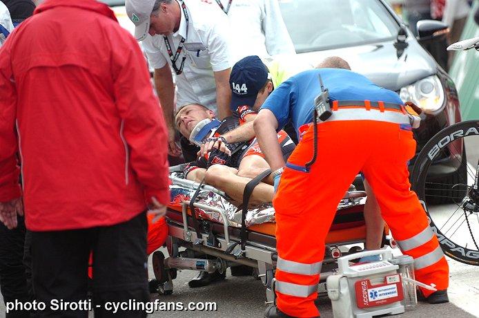 Photos Tour de Suisse 2010 2010_tour_de_suisse_stage4_crash_arnaud_coyot_caisse_d_epargne3a