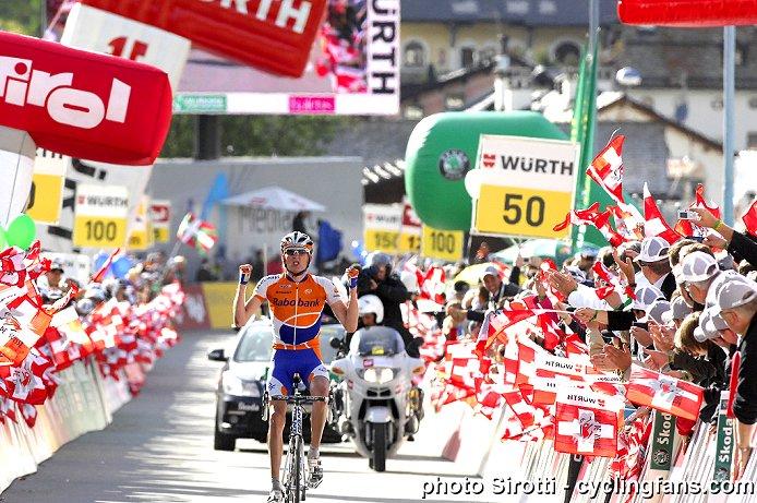 Photos Tour de Suisse 2010 2010_tour_de_suisse_stage6_robert_gesink_rabobank_wins1a