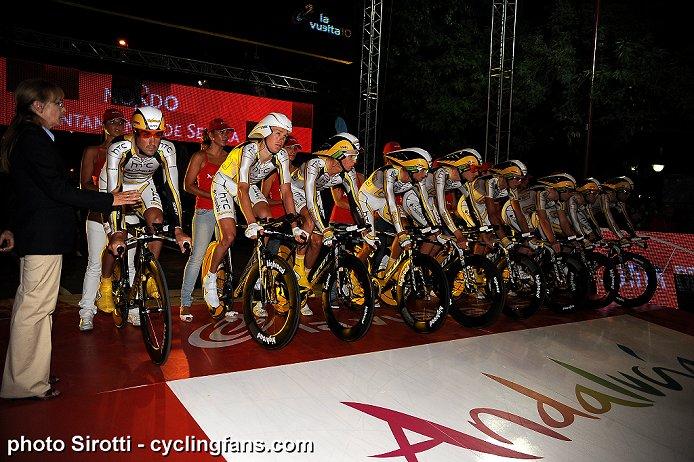 Photos Vuelta 2010 2010_vuelta_a_espana_stage1_TTT_sevilla_htc-columbia1a